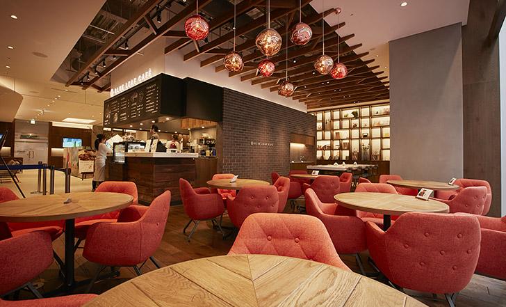 【ニューオープン】街なかに現れた広々モダンカフェ ≪今週のカフェ&スイーツ*33話『BLUE LEAF CAFÉ』≫