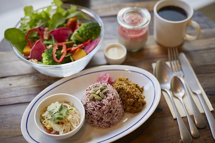 美味しい野菜を食べたくなったら…朝から夜までオーガニックを楽しめるカフェ 今週のカフェ&スイーツ*53話『Rielat Café & Me time』
