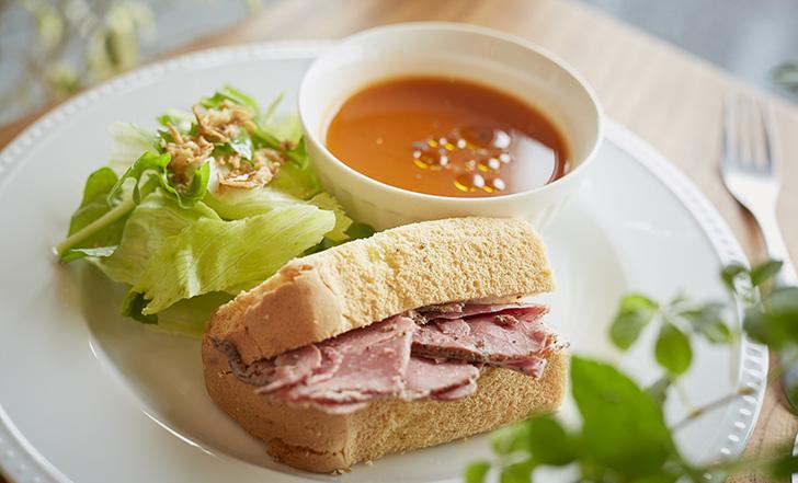 おやつにも、食事にも!? 毎日食べたいシフォンケーキの専門店 今週のカフェ&スイーツ*54話『MINAMO CAFÉ』