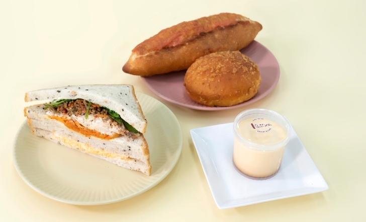 サンドイッチ、プリン、カレーパン、明太フランス